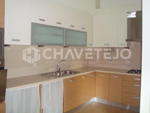 Apartamento T1 com garagem para venda