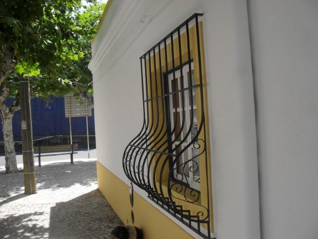 Moradia T2 com Quintal, Perto de Marinhais, Para Venda