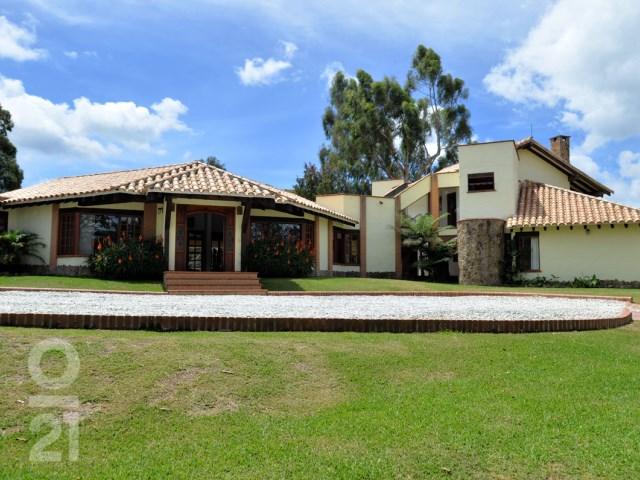 Finca 3 Habitaciones › Via Las Palmas