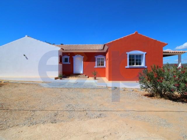 Villa T3 com 4800 m² de terreno perto de Moncarapacho!   T3   4WC