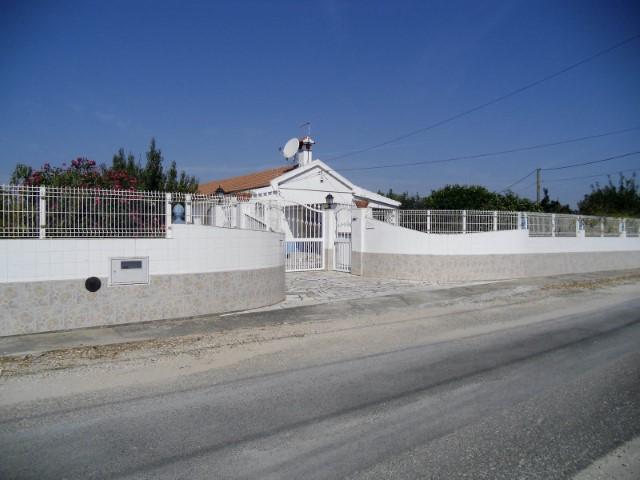 Moradia T4 com Anexo e Garagem, em Marinhais, Para Venda