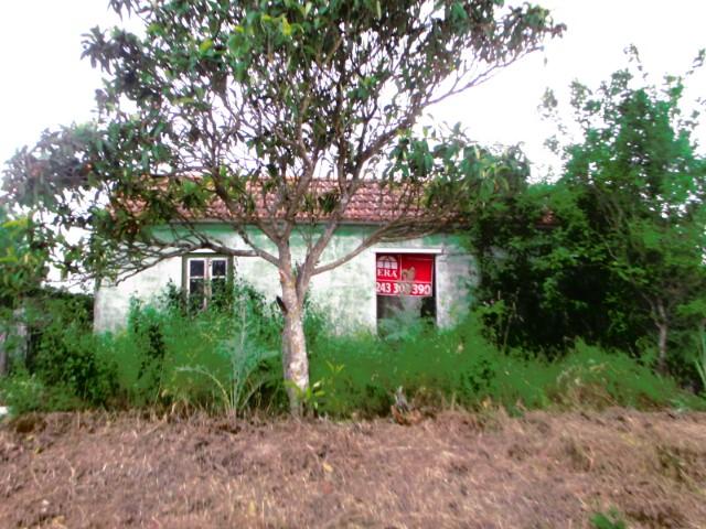 Casa Rústica T2 Inserida em Terreno Plano, a Menos de 1 Hora de Lisboa e da Praia, Para Venda