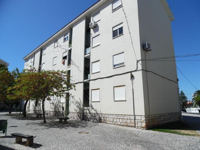 Apartamento T3 Duplex › Torres Novas (São Pedro), Lapas e Ribeira Branca