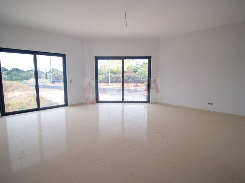 3 Pièces Appartement in Quelfes (2)