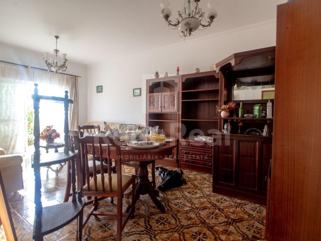 T3+1 Moradia in Quelfes (11)