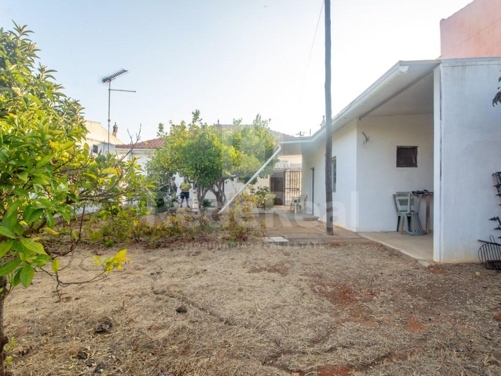T3+1 Moradia in Quelfes (34)