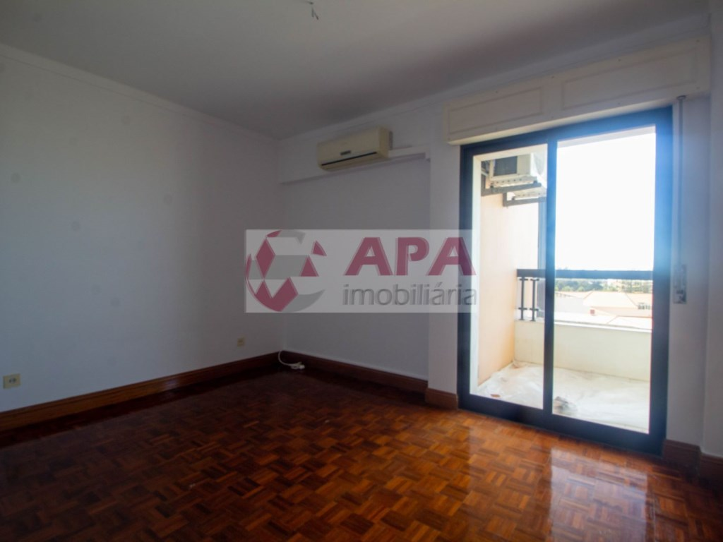 3 Pièces Appartement in Av 5 de Outubro, Faro (Sé e São Pedro) (15)