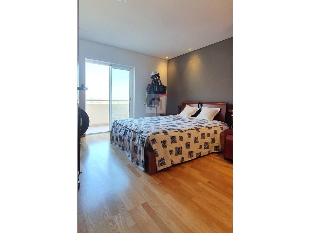 4 Bedrooms Apartment in Faro (Sé e São Pedro) (11)