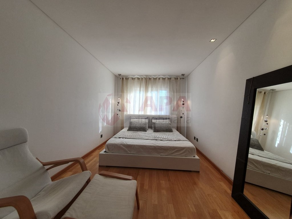 4 Bedrooms Apartment in Faro (Sé e São Pedro) (12)
