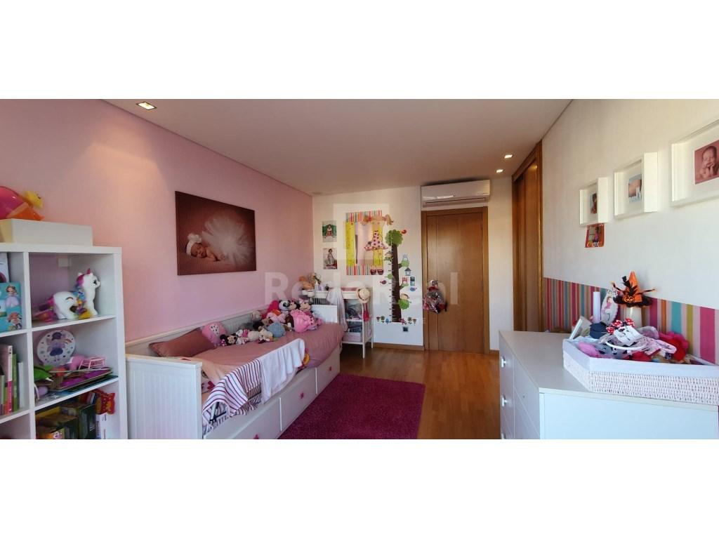 4 Bedrooms Apartment in Faro (Sé e São Pedro) (16)
