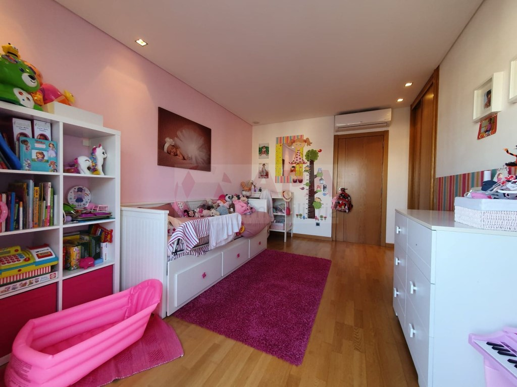 4 Bedrooms Apartment in Faro (Sé e São Pedro) (17)