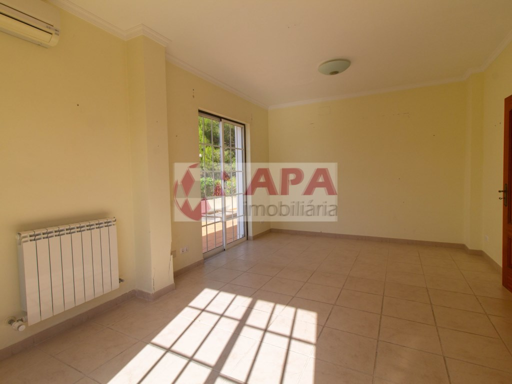 4 Bedrooms House in Almancil (8)