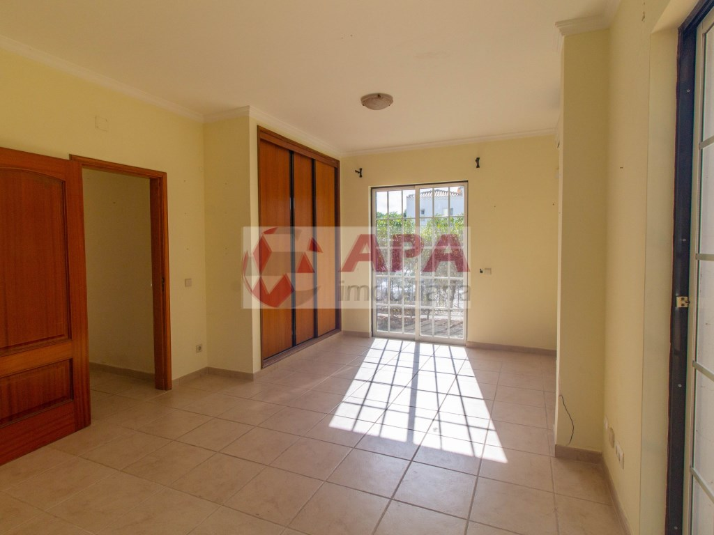 4 Bedrooms House in Almancil (9)