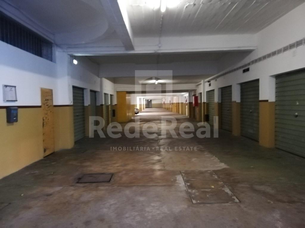 Garagem in Faro (Sé e São Pedro) (3)