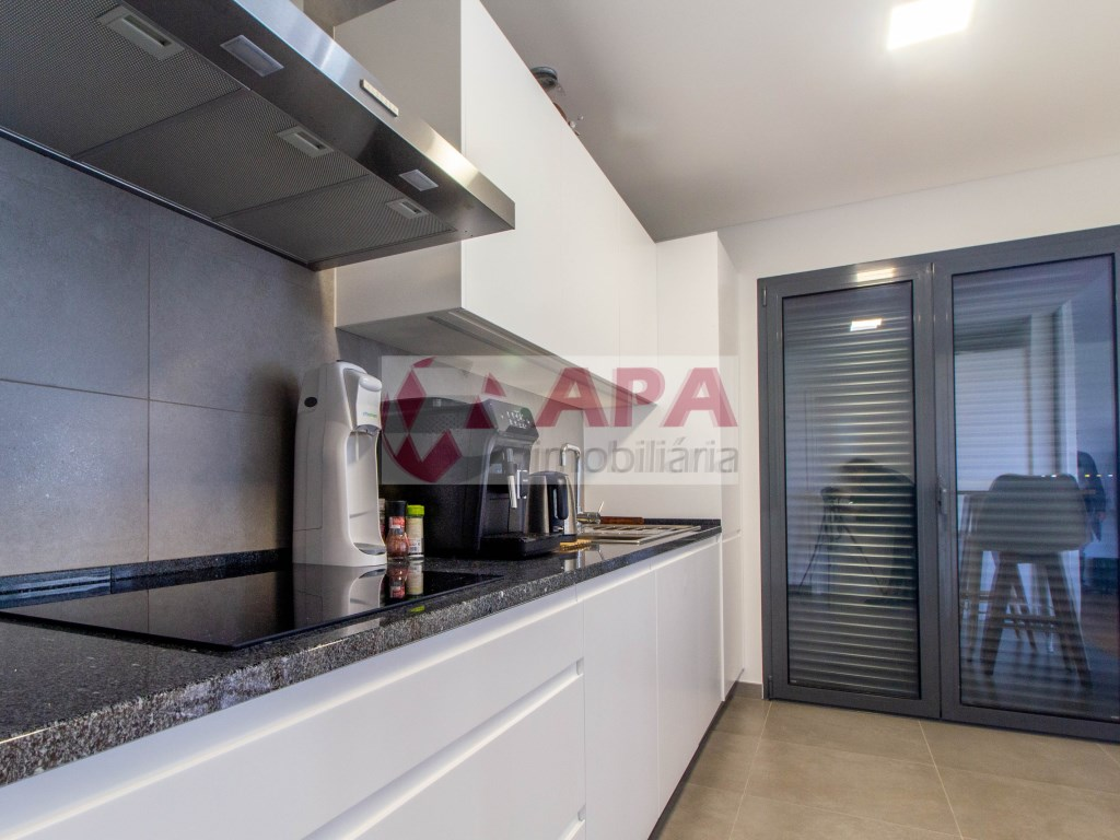 3 Bedrooms Apartment in Faro (Sé e São Pedro) (12)