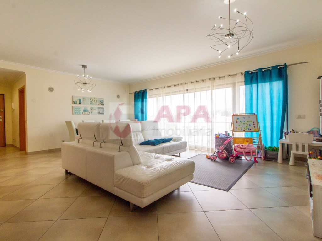 T3 Apartamento in Quelfes (2)