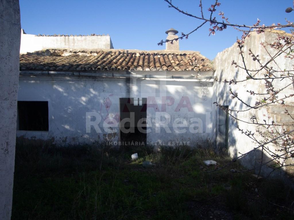 Ruine in Gorjões, Santa Bárbara de Nexe (2)