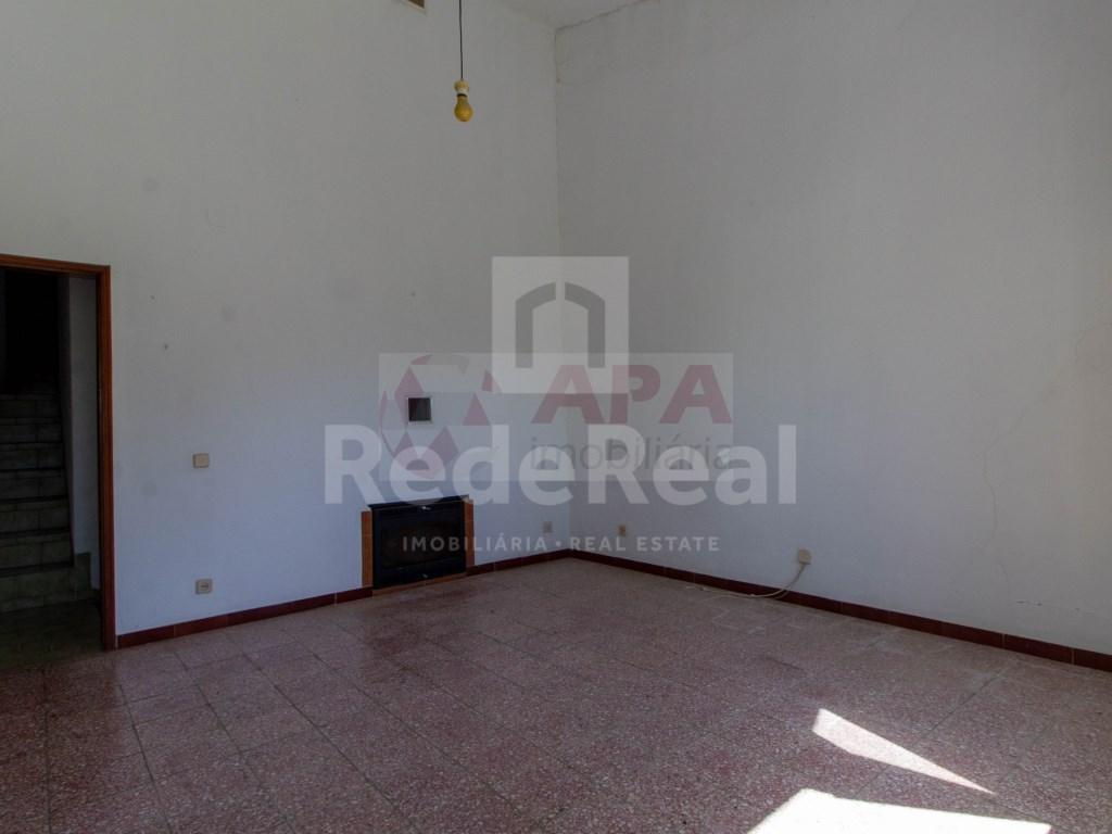 2 Bedrooms House in Santa Bárbara de Nexe (6)