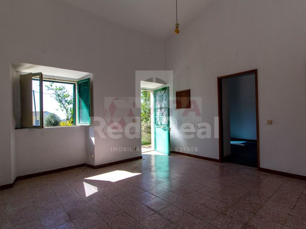 2 Bedrooms House in Santa Bárbara de Nexe (8)