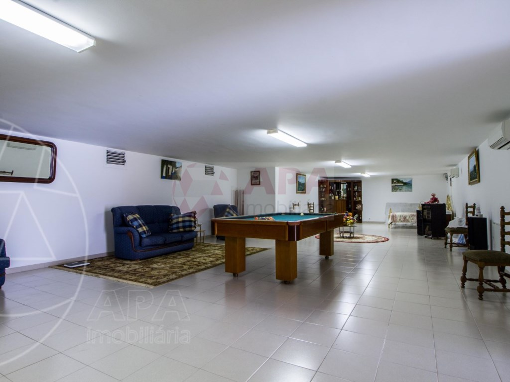 3 Bedrooms  House in Santa Bárbara de Nexe (28)