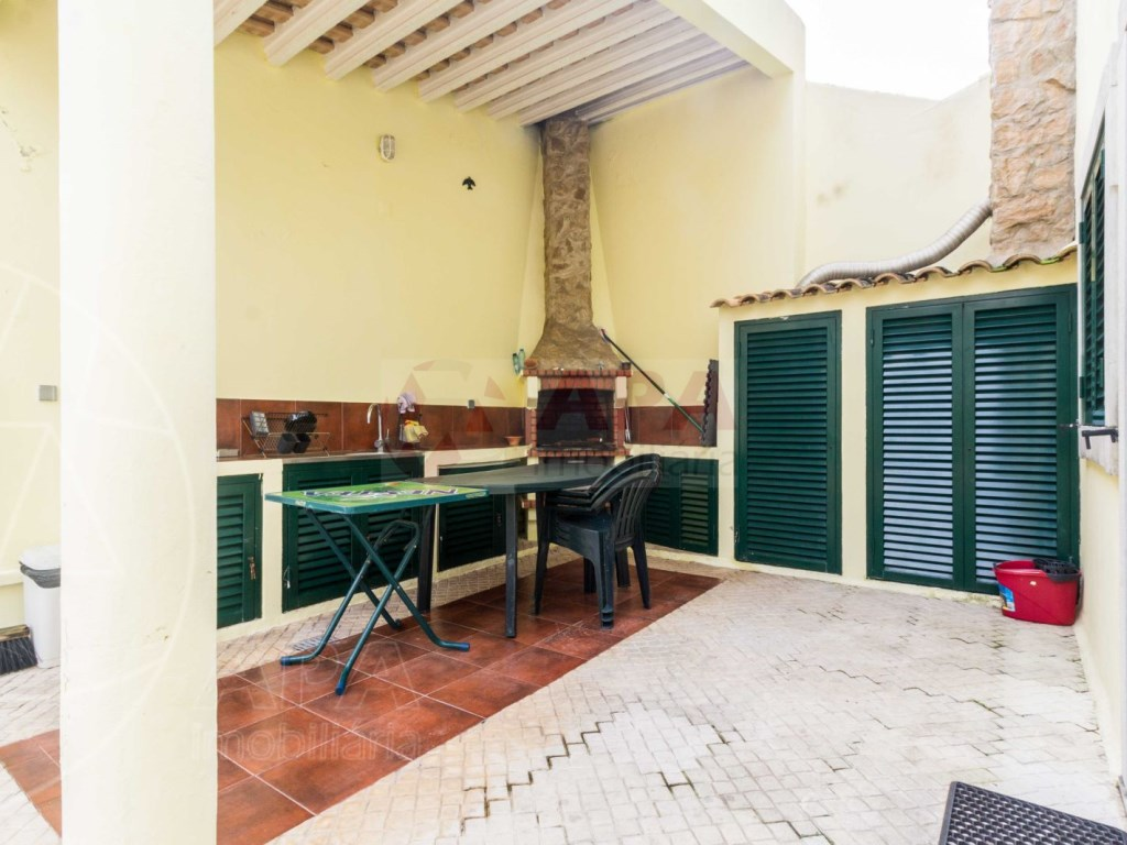 4 Bedrooms Terraced House  in Quinta João de Ourém (8)