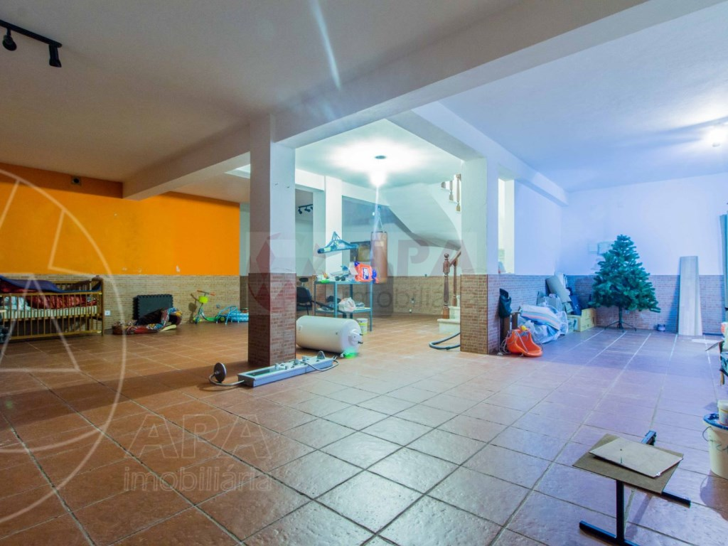 4 Bedrooms Terraced House  in Quinta João de Ourém (21)