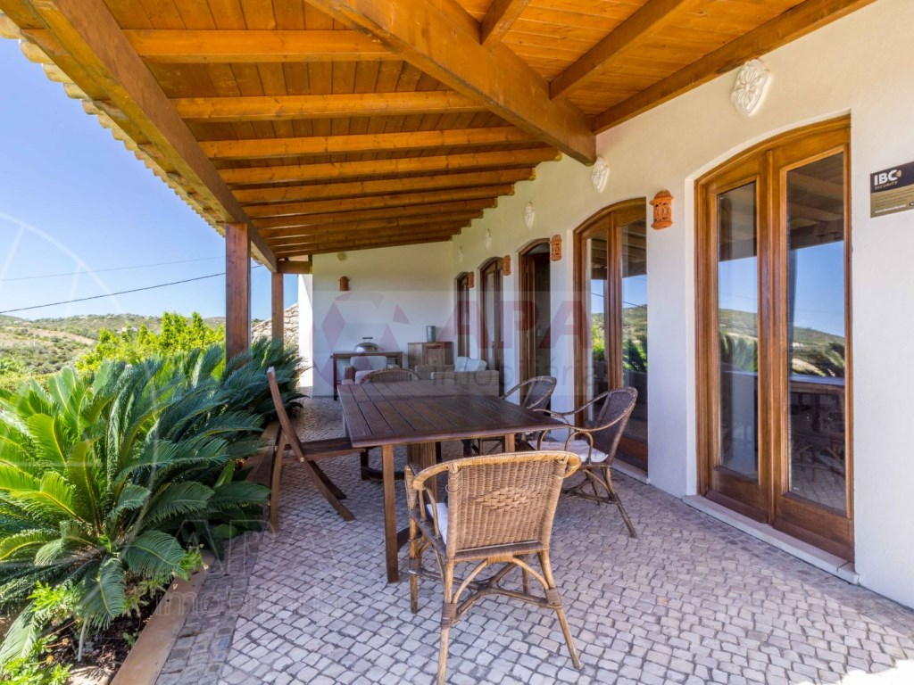Incredible 5 bedroom vila sea view swimming pool Faro  (28)