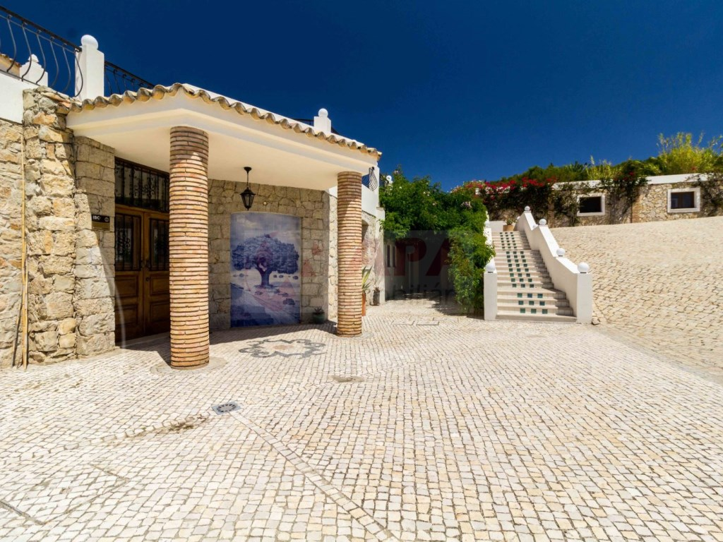 Incredible 5 bedroom vila sea view swimming pool Faro  (30)