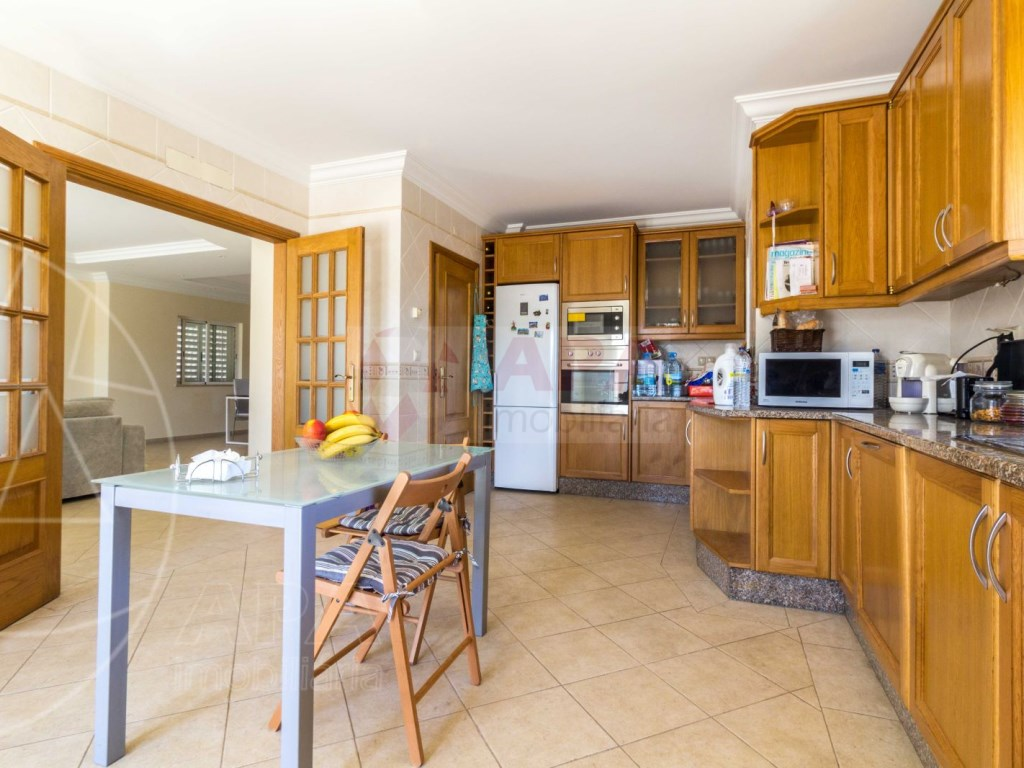4 Bedrooms House in Quelfes (7)