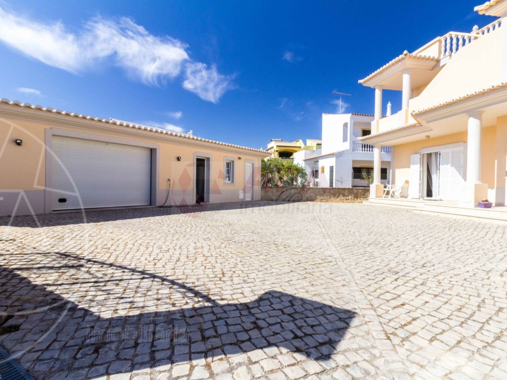 4 Bedrooms House in Quelfes (27)