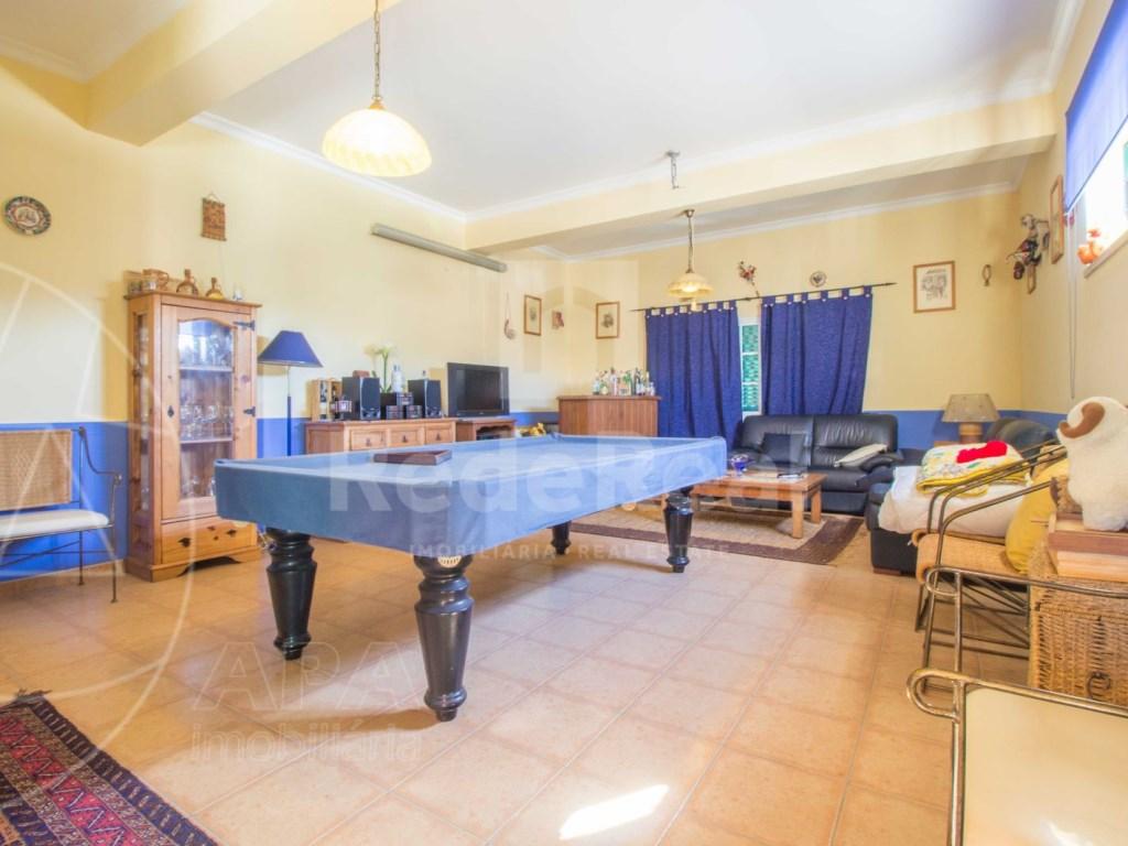 4 Bedrooms House in conceição (5)