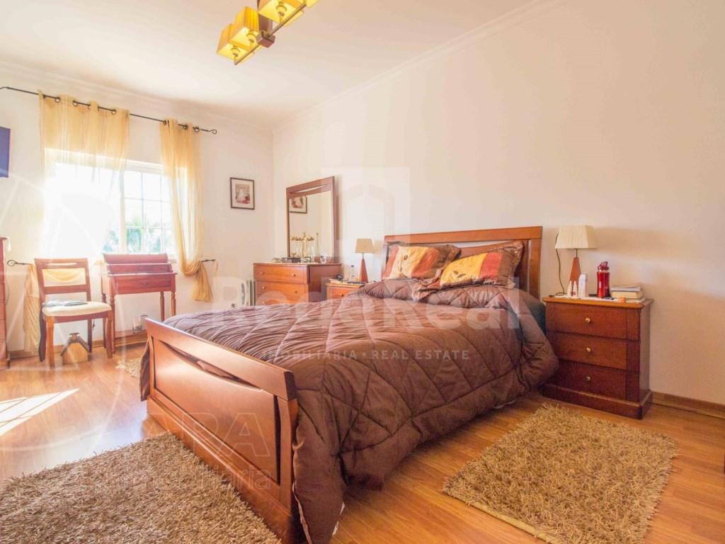 4 Bedrooms House in conceição (18)