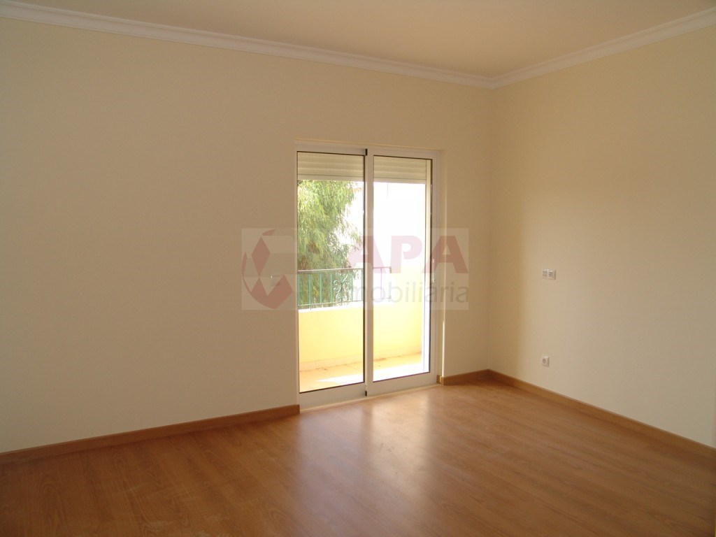 New 3 Bedrooms Apartment in São Brás (5)