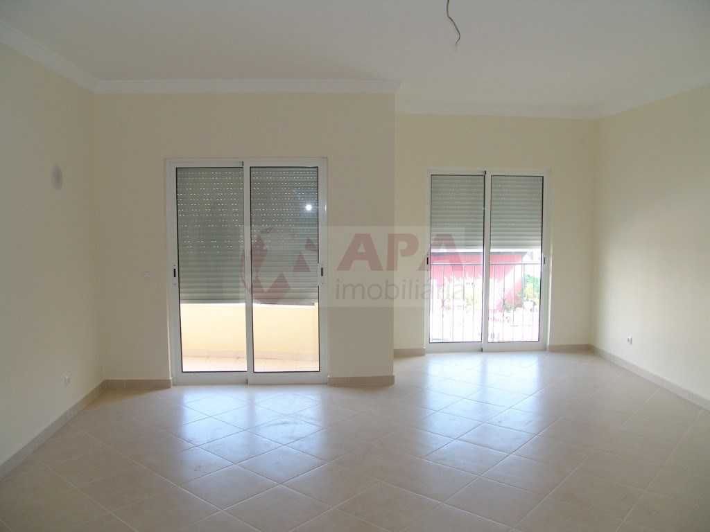 2 Bedrooms Apartment in São Brás (4)