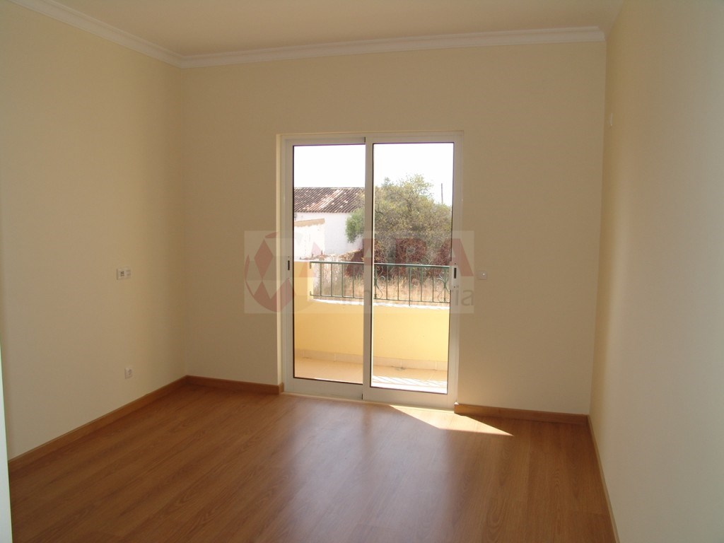 New 2 bedroom apartment in São Brás (7)
