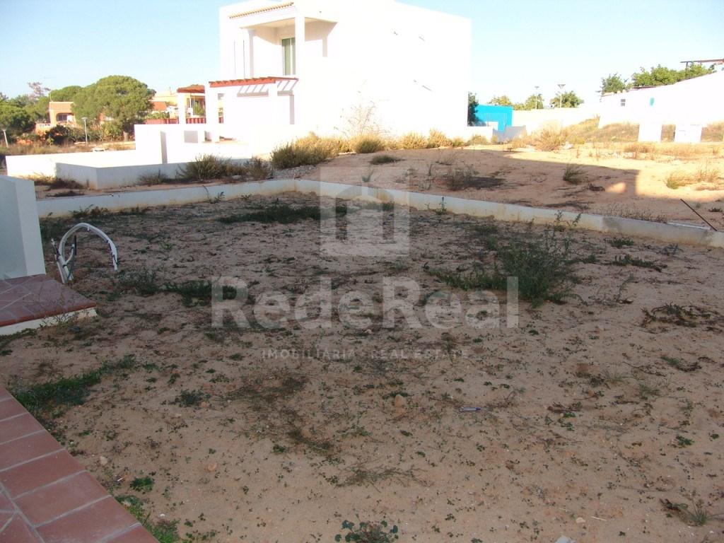 Urban Land in Gambelas (1)