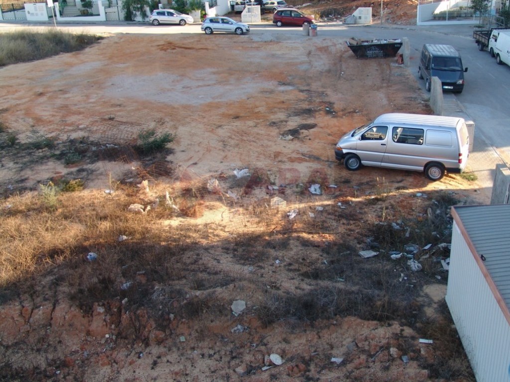 Urban Land in Gambelas (3)