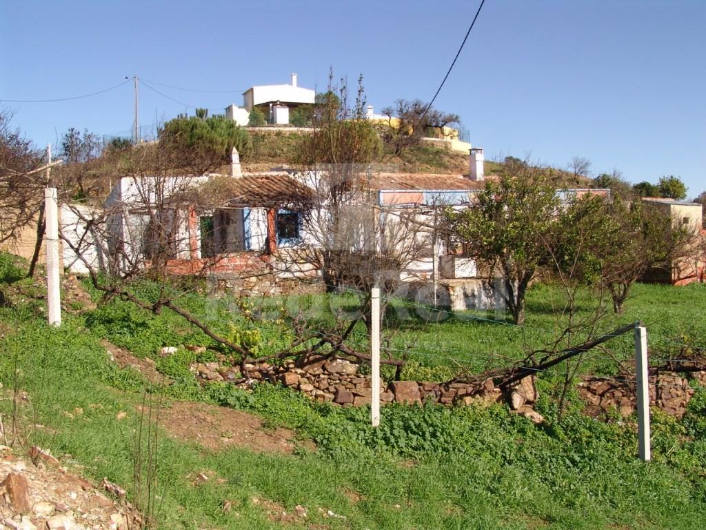 Lote de terreno com casa antiga em Tavira (2)