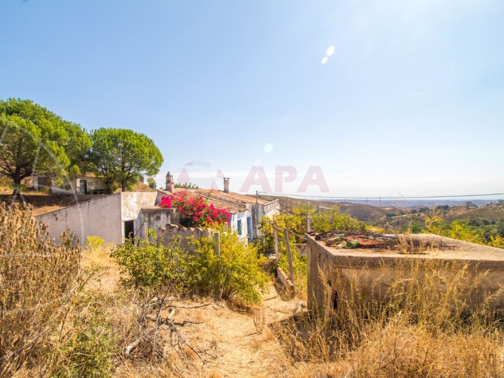 Plot of land with an old house in Tavira (1)