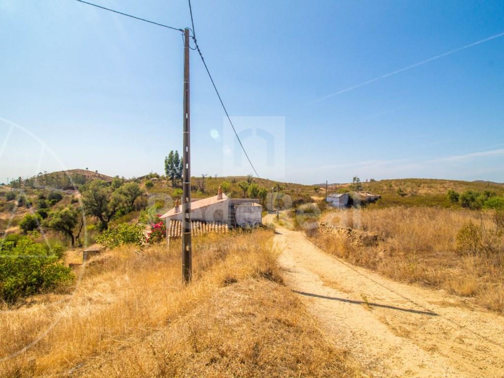 Lote de terreno com casa antiga em Tavira (10)