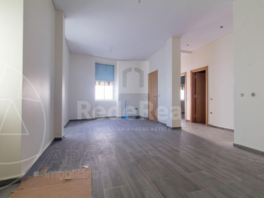 2Bedrooms + 1 Interior Bedroom House in Faro  (1)