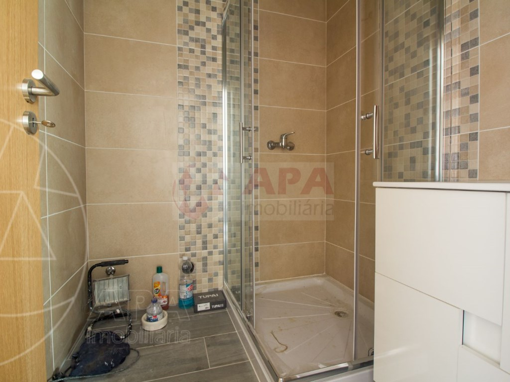 2Bedrooms + 1 Interior Bedroom House in Faro  (9)