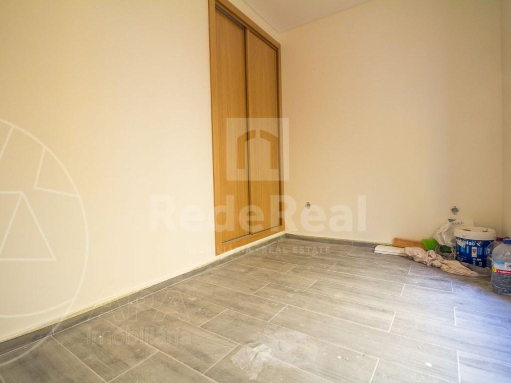 2Bedrooms + 1 Interior Bedroom House in Faro  (10)