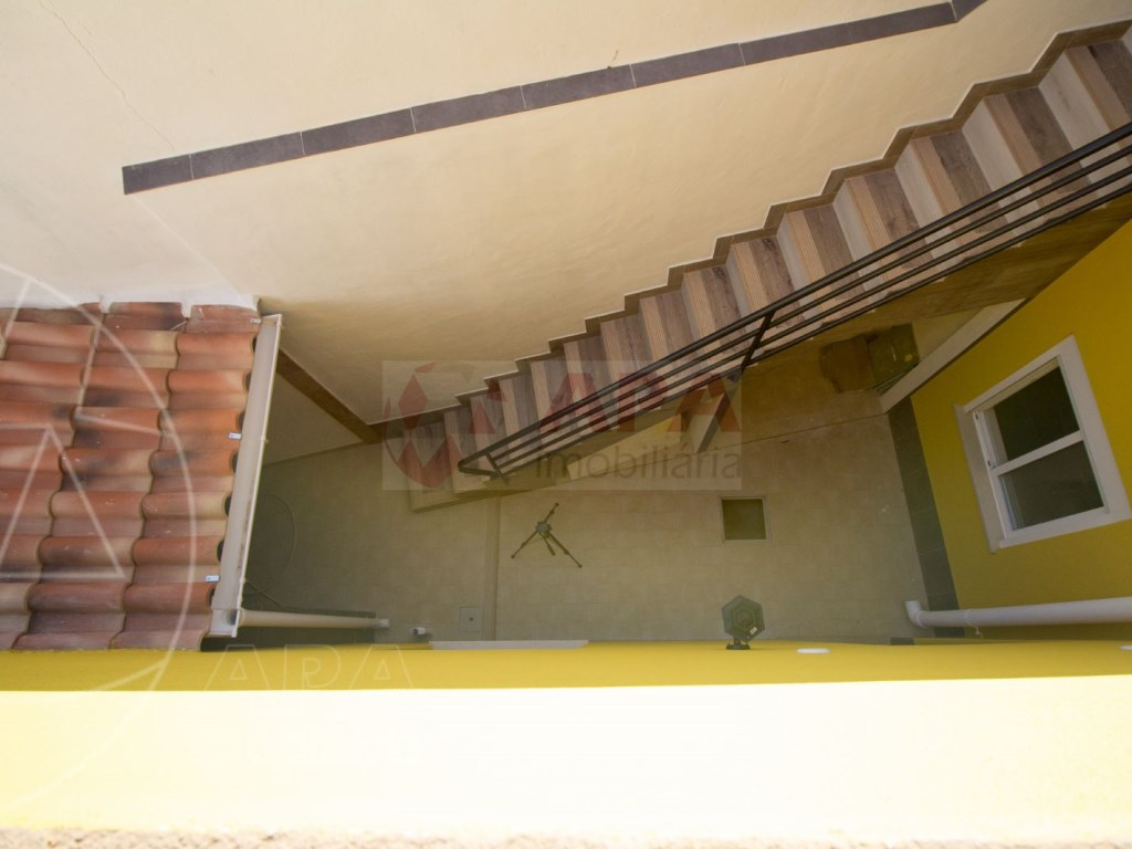2Bedrooms + 1 Interior Bedroom House in Faro  (15)