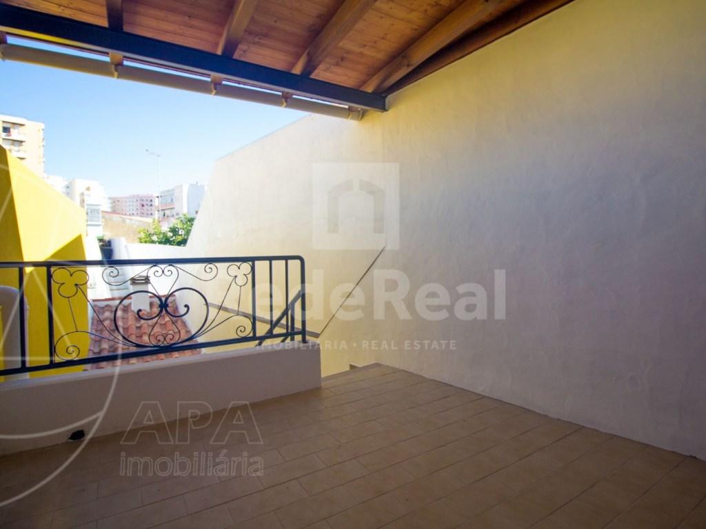 2Bedrooms + 1 Interior Bedroom House in Faro  (16)