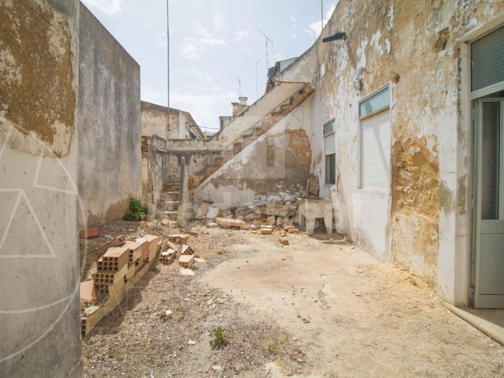 Moradia in Faro (Sé e São Pedro) (4)