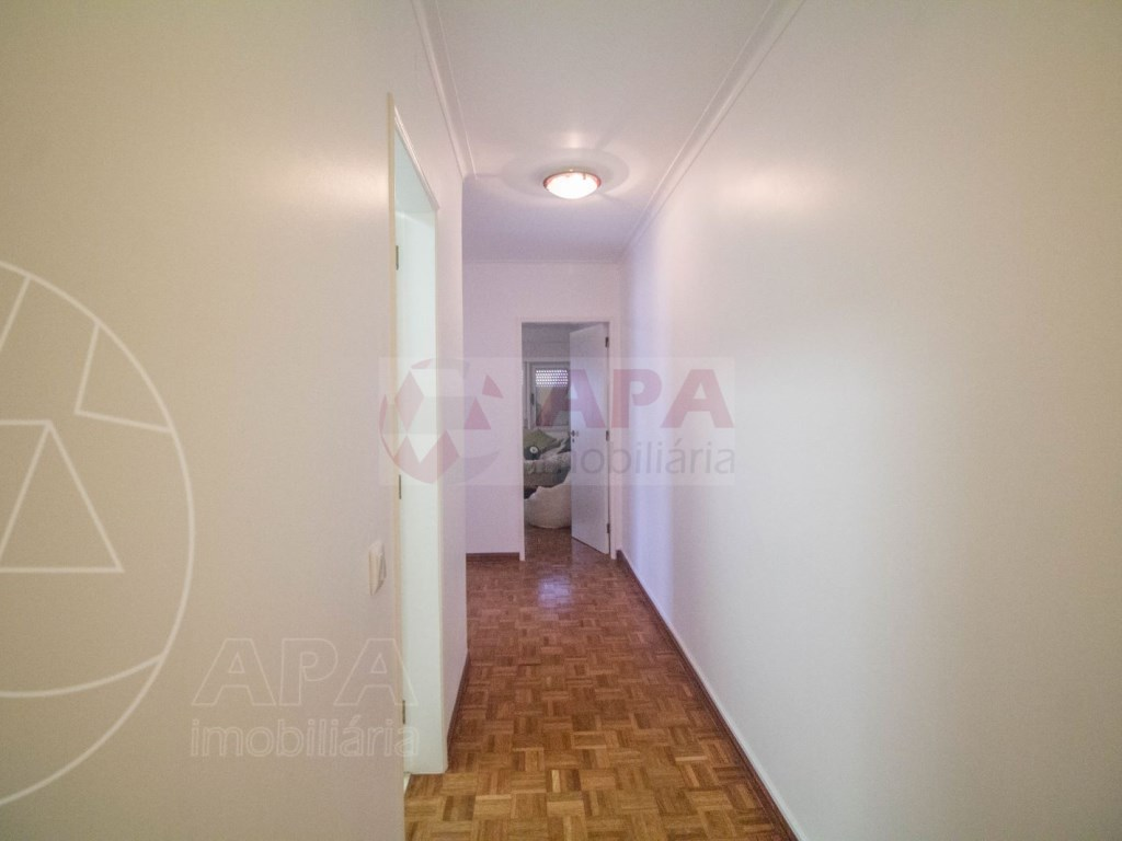 T4 Apartamento in Faro (Sé e São Pedro) (28)