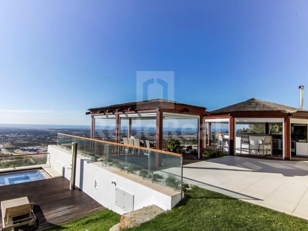 6 Bedrooms Villa in Santa Bárbara de Nexe (1)