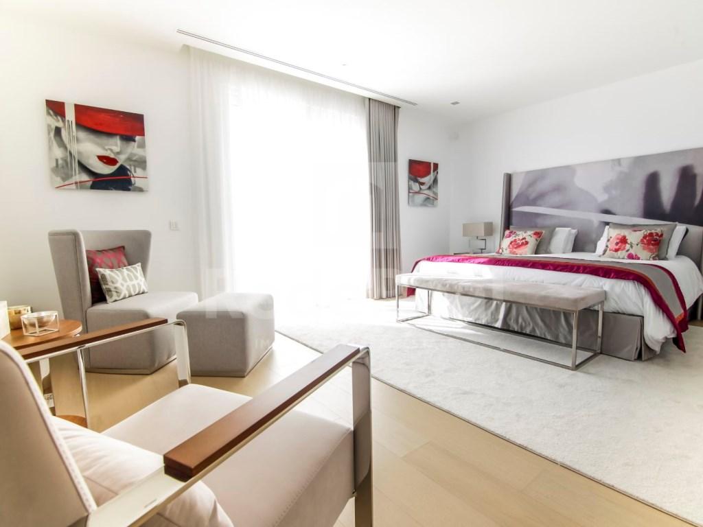 6 Bedrooms Villa in Santa Bárbara de Nexe (14)
