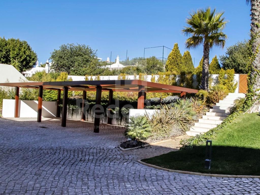 6 Bedrooms Villa in Santa Bárbara de Nexe (56)
